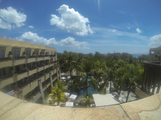 Kuta Paradiso Hotel: Pool View