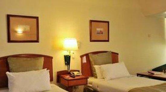 Cresta Oasis Hotel: Twin Room