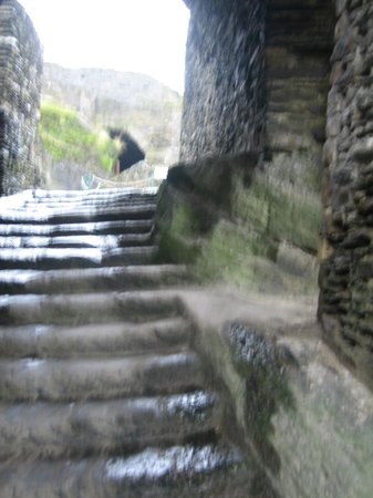 Chateau Feodal: развалины замка