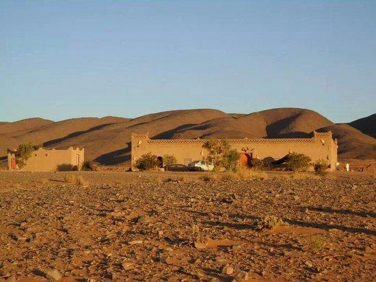 Auberge Hotel Porte De Sahara Ouzina: Desert hotel porte de sahara ouzina