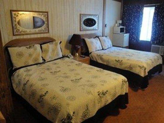 Pinewood Inn: Guest