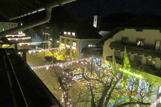 Hotel Mohrenwirt: View from the balcony with the Christmas lights lit.