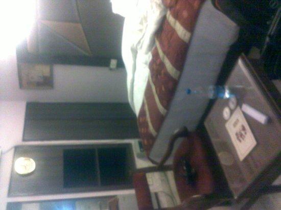 The Imperial Inn: Room2
