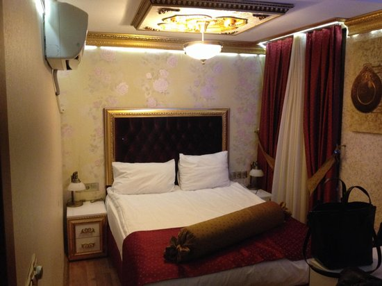 Hotel Soliman: Single room, no view, fist floor(number 122) - bad wifi