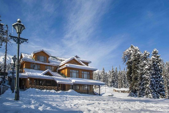 Heevan Retreat Gulmarg: snow