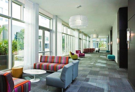 Aloft Jacksonville Tapestry Park : Pre Function Foyer