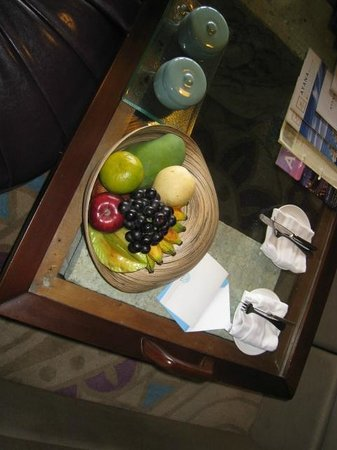 AYANA Resort and Spa : Fruit bowl replenished each day