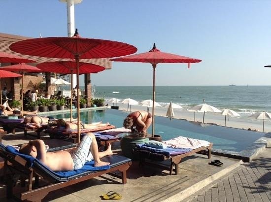 Laksasubha Hua-Hin : A great beachfront location