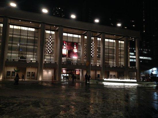 The Metropolitan Opera : lincoln center 2