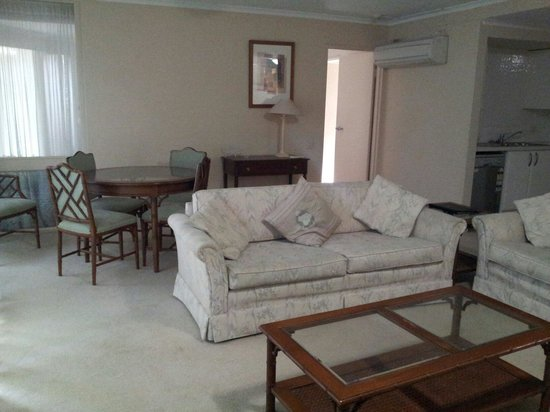 Wahroonga Waldorf Apartments: From living room