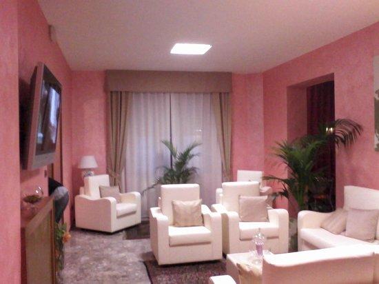Hotel Redi : sala tv