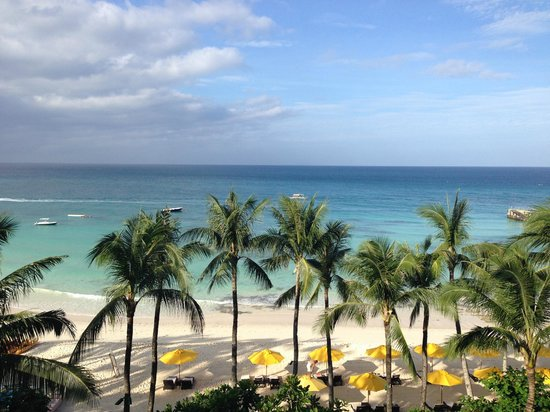 Shangri-La's Boracay Resort & Spa: View of beach from room