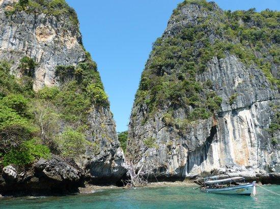 Sofitel Krabi Phokeethra Golf & Spa Resort: Accès secondaire pour Maya Beach. (pas de place pour accoster directement)