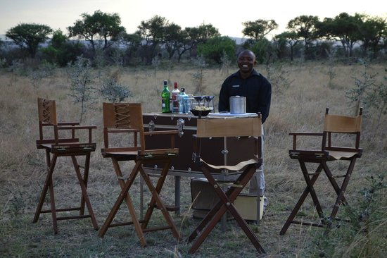 Singita Explore: The bar, for a drink before dining
