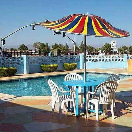 Blue Mist Motel: Pool