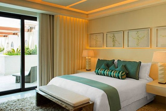 The St. Regis Saadiyat Island Resort: Contemporary Spa Suite - Bedroom