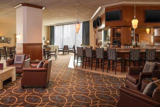 Sheraton Columbus at Capitol Square Hotel: Plaza Lounge