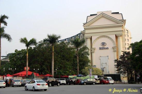 Hilton Hanoi Opera : Esterior del hotel