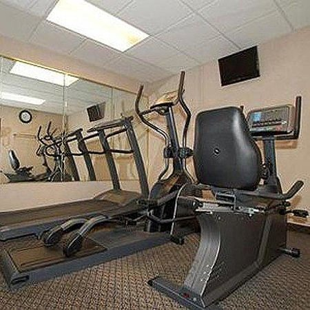 Comfort Suites : Homestay Suites Graham Gym