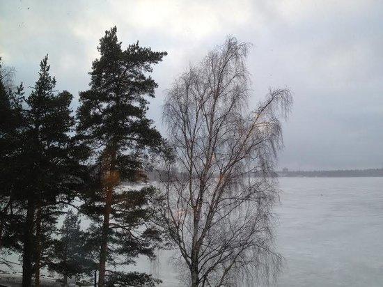 Hilton Helsinki Kalastajatorppa: Вид из окна номера на залив