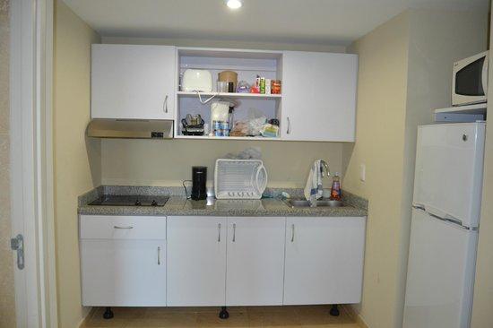 The Mill Resort & Suites Aruba: kjøkkenavdeling