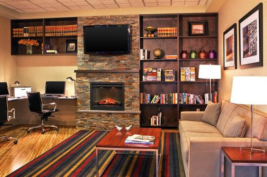 Four Points by Sheraton Kalamazoo: Library