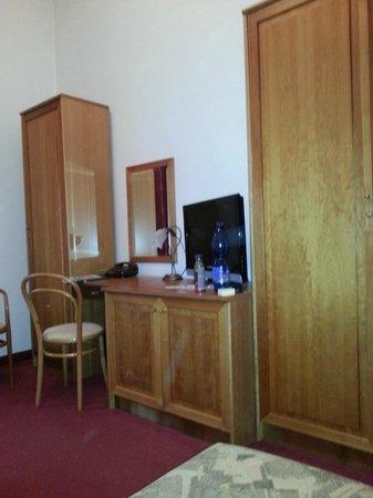 Hotel Smetana-Vysehrad: Zimmer im 1. OG