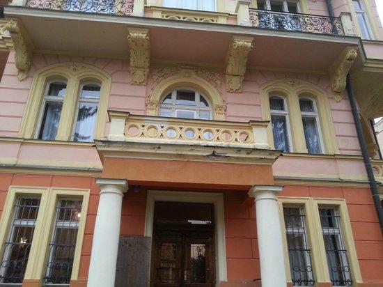 Hotel Smetana-Vysehrad: Bilder von der Fassade