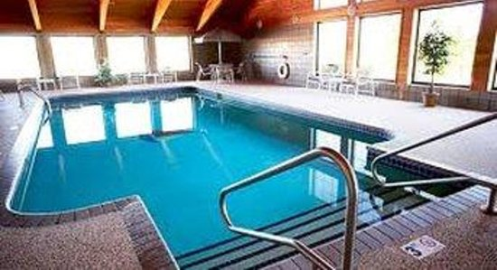 Boarders Inn and Suites Waupun, WI : Pool