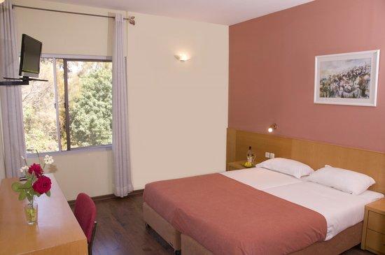 Nes Ammim Hotel: Room