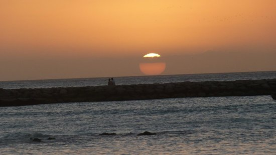 The Mill Resort & Suites Aruba : solnedgang ved stranden