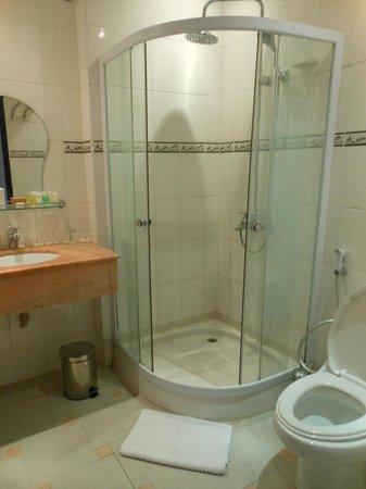 Zanzibar Grand Palace Hotel: Bathroom