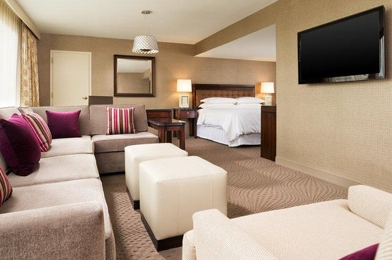 Sheraton Hartford South Hotel: Suite