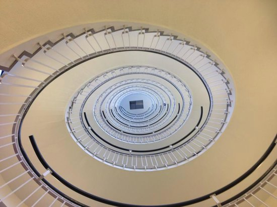 Premier Inn London Blackfriars (Fleet Street) Hotel: Great spiral staircase!