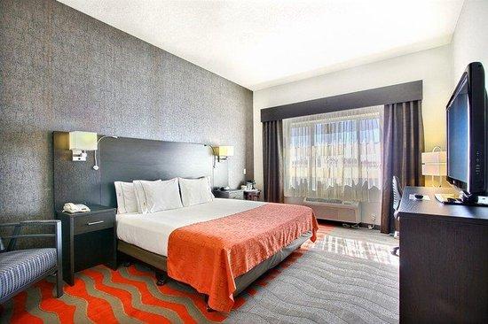 Holiday Inn Express & Suites Boise West - Meridian : Busniess King Suite Holiday Inn Express and Suites Meridian Idaho
