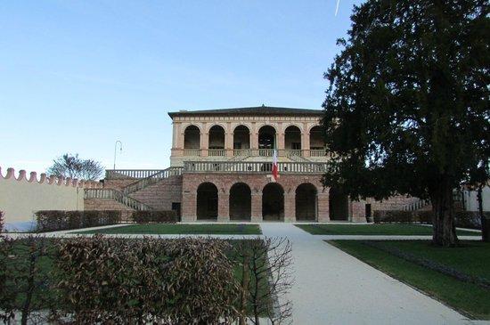 Villa dei Vescovi: esterno