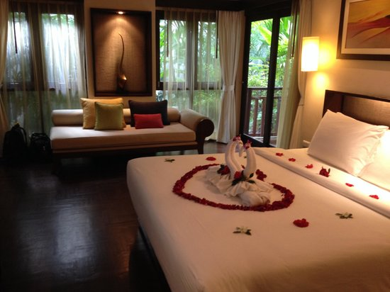 Chaweng Regent Beach Resort: Premier room - honeymoon special