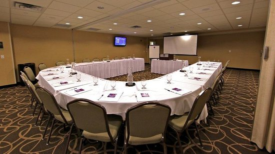 Holiday Inn Express & Suites Rogers : U shape seating