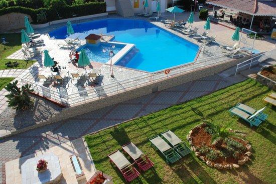 Hotel Rose: rose pool
