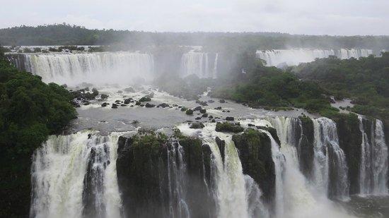 Foz de Iguazú: Gorgeous Water Falls.