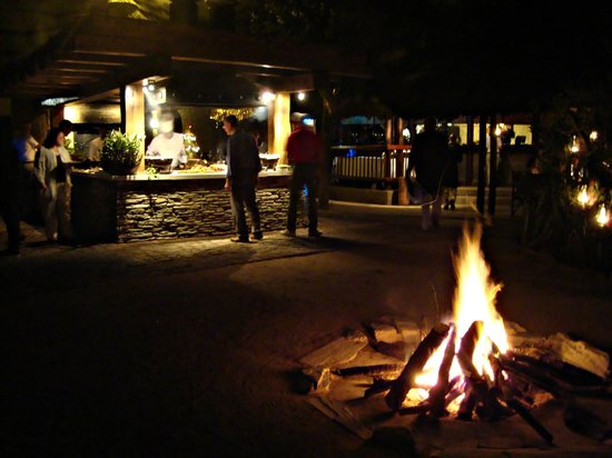 Kapama River Lodge: Jantar chic em volta da fogueira