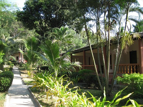 White Sand Resort: Вот так домики выглядят снаружи