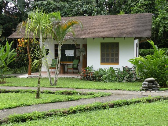Suizo Loco Lodge Hotel & Resort: Our cottage at Suizo Loco Lodge