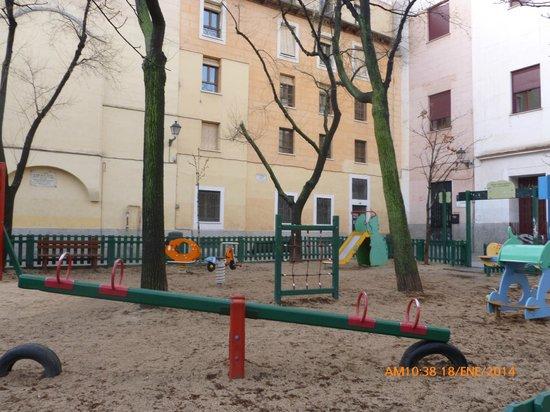 Plaza del Dos de Mayo : Para jugar.