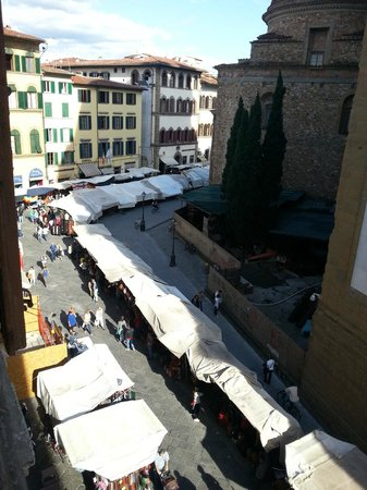 Vip Florence : View from apartment of San Lorenzo markets