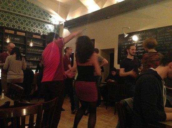 Lola Tapas Restaurante: Donnerstags ab 22h Salza Dance