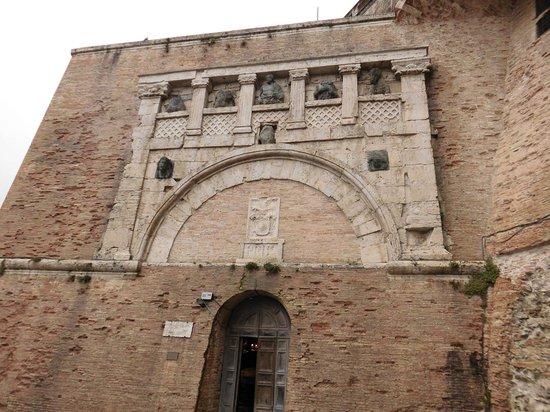 Περούτζια, Ιταλία: Esterno