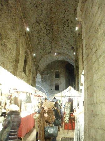 Rocca Paolina: Mercatini nella rocca