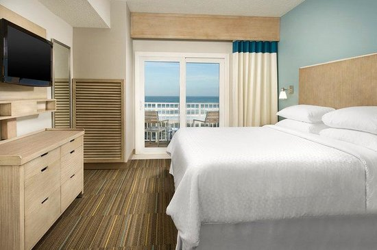 Four Points by Sheraton Jacksonville Beachfront: King Suite Bedroom