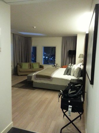 Crowne Plaza Tel Aviv City Center: Room view